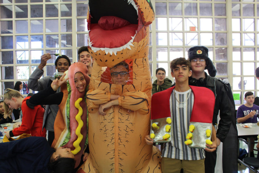 Students+participate+in+homecoming+week+by+dressing+up+for+Halloween.