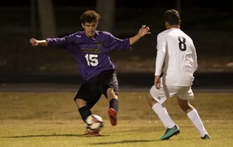 Boys soccer defeats University in last second victory