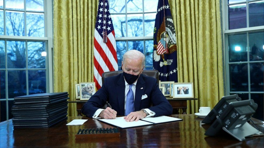 Biden+signs+17+executive+orders+on+inauguration+day